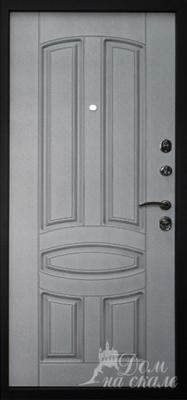Стальная дверь с  декоративными накладками из плит МДФ